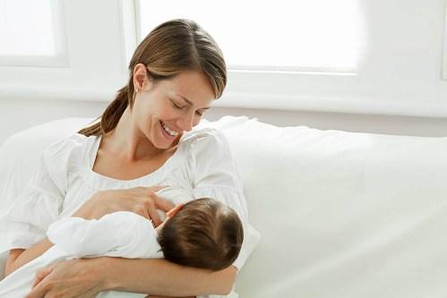 اكتشاف بروتين فى لبن الأم يحمى الأطفال من الالتهاب الرئوى