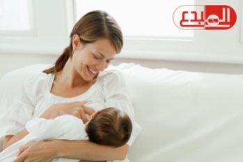 دراسة طبية : حليب الأم الطبيعي يمكن استخدامه لمكافحة مرض السرطان !