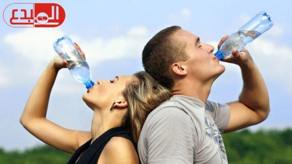 فوائد كبيرة لشرب الماء عند الاستيقاظ
