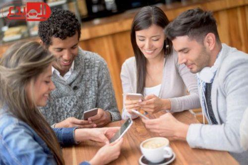 دراسة امريكية : الإفراط فى استخدام الموبايل يعرضك للغباء
