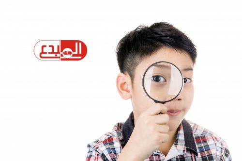 5 أخطاء تؤثر على صحة عينيك .. منها فرك العيون والنوم بالعدسات