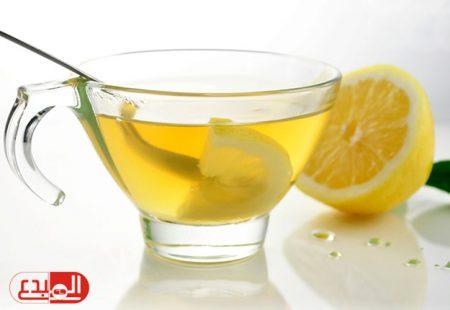 فوائد لا تتخيلها في كوب من الماء الدافئ مع الليمون