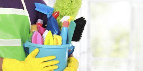 الريموت والفوطة أهمها .. 5 أدوات منزلية يجب تنظيفها لتجنب المشاكل الصحية