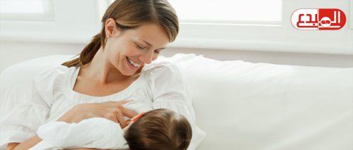 ما هي كمية الحليب للطفل الرضيع ومدة الرضاعة؟