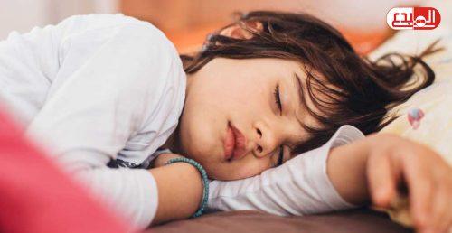 قلة النوم تزيد من خطر إصابة الأطفال بالسمنة !!!